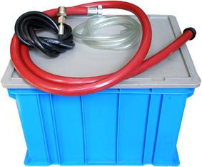 три шланга и пластиковая емкость электрического гидравлического опрессовщика керн kern